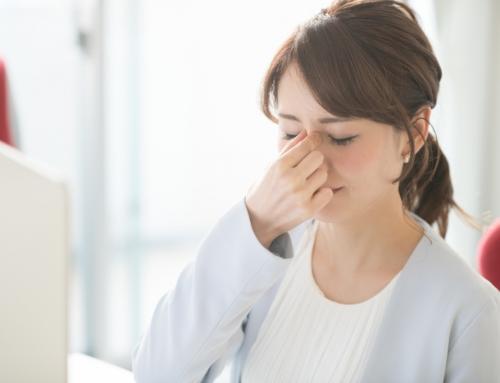 眼精疲労による頭痛を治す7つの方法【目薬・頭痛薬・ツボ】効かない時は?